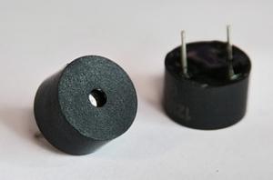 Звукоизлучатель электромагнитный с генератором 5V, Ø9